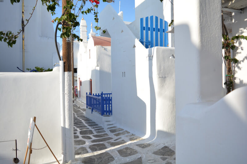 The 7- Day Athens and Mykonos best budget package, alley in Mykonos Island