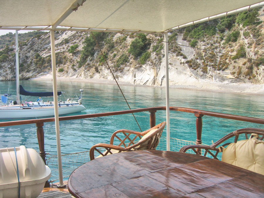 cruise the Cyclades, on board a wooden yacht