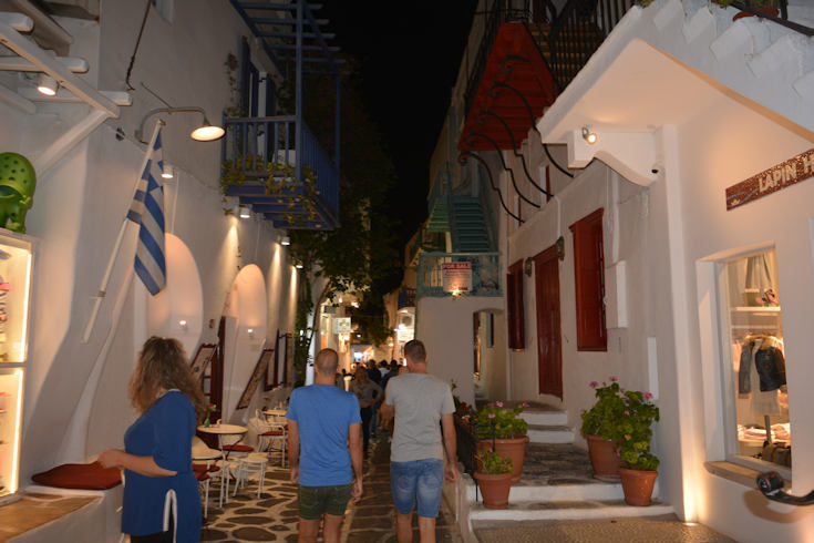 Mykonos alley by night