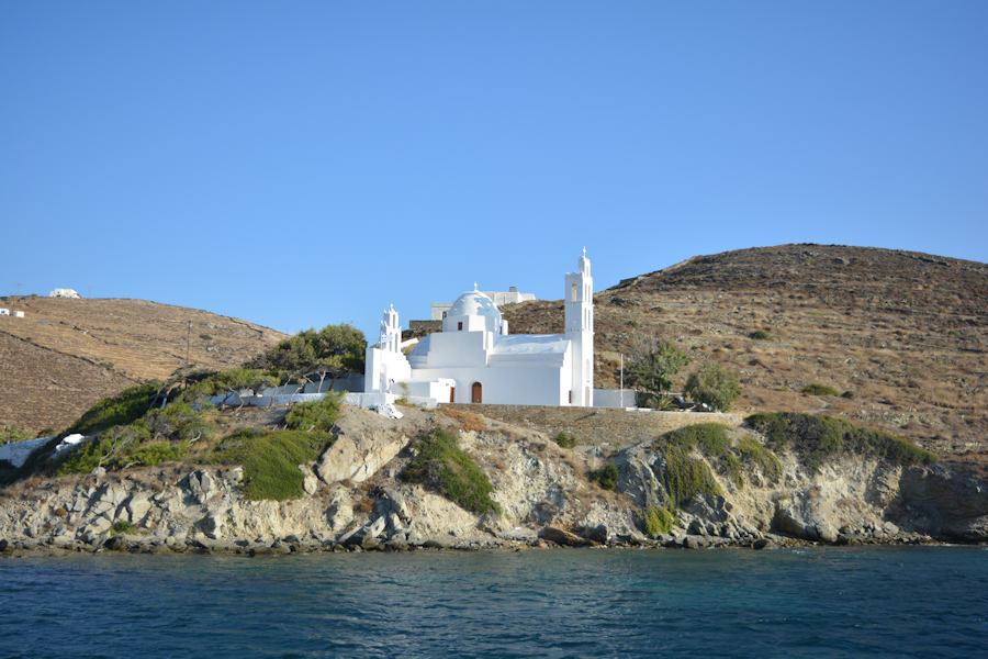 Ios Island, entering the port, what to do in Greece