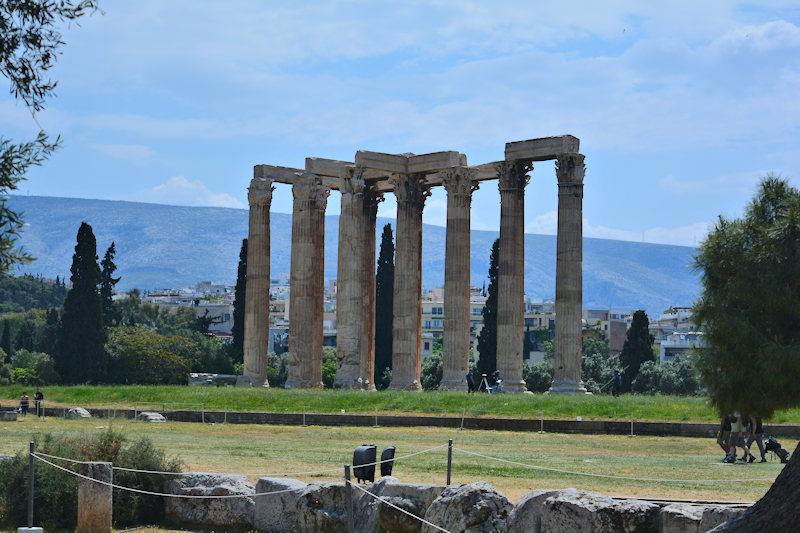 Stelai Olympiou Dios, Athens